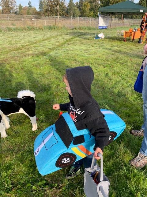 Kid in car costume